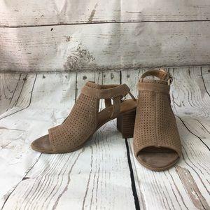 Franco Sarto Harlet2 Sandals. Size 7. NWOB